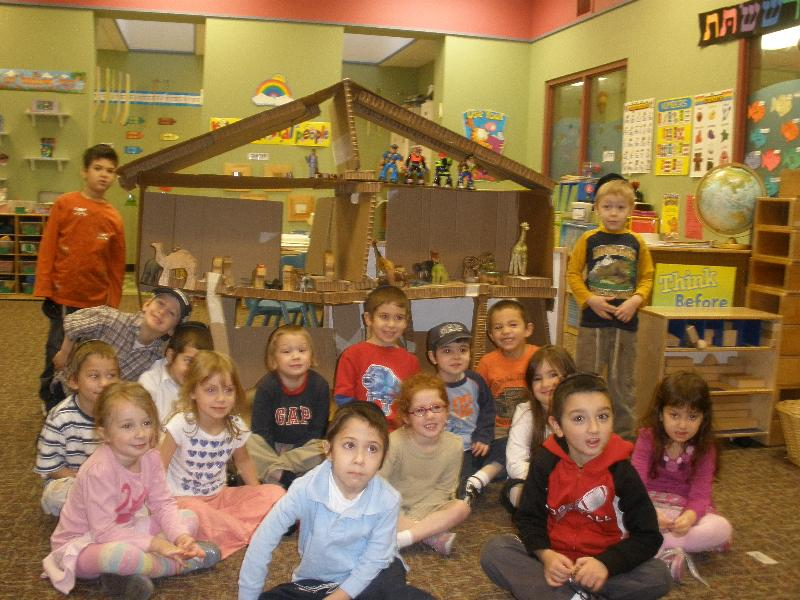Kindergarten students and their ark