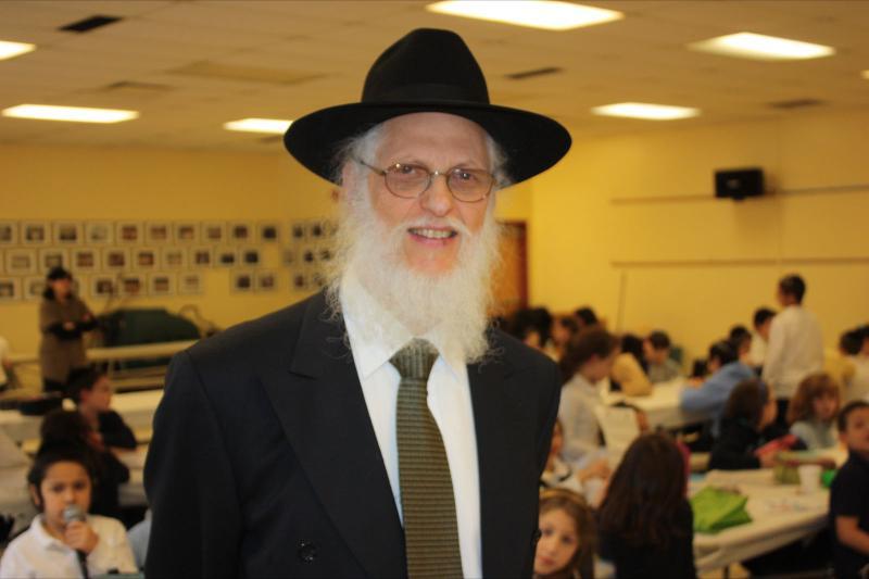 Rabbi Brodie in Lunchroom