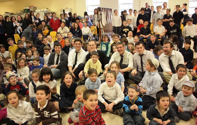 Maccabeats Visit Hillel Academy
