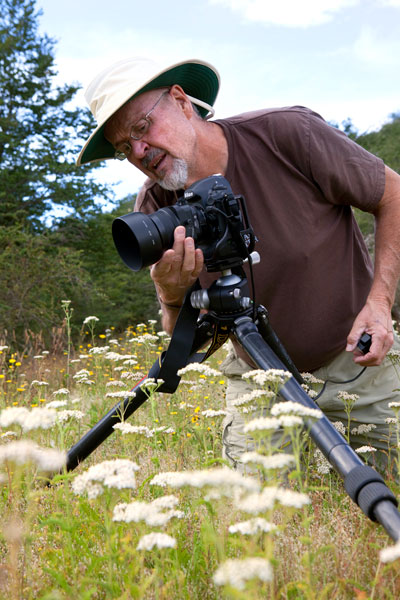 Jack Dykinga shooting wildflowers with RRS gear