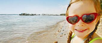 hearts-sunglasses-girl.jpg