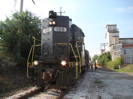 passengers boarding the train in Hartville
