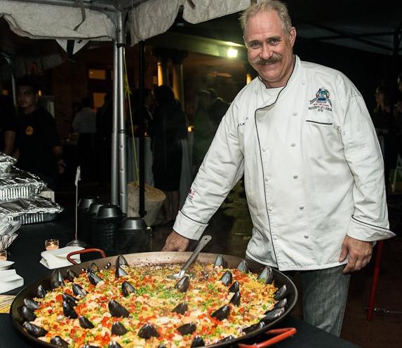 Chef Laurentino & Paella