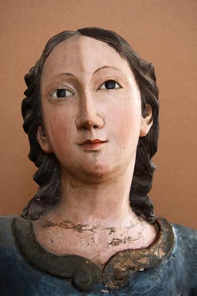 San_Miguel_Statue_01
