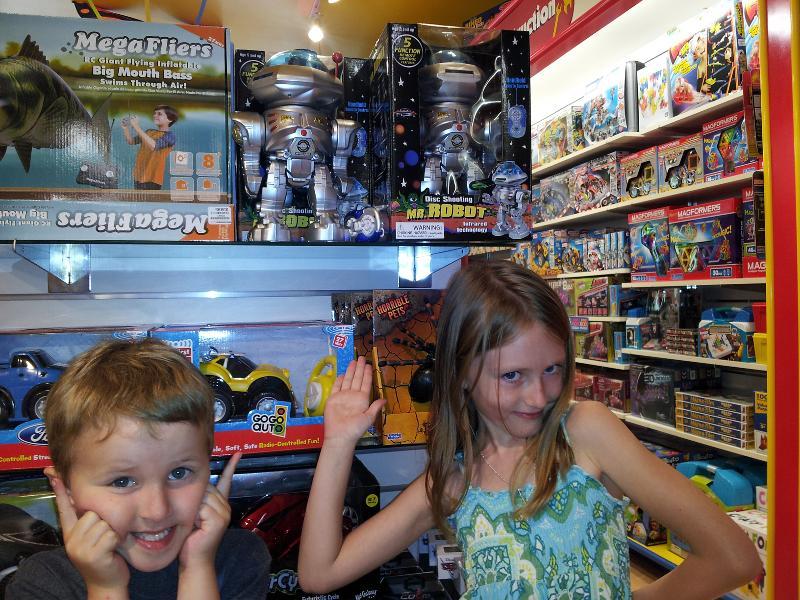 Teaghan & Dillon - Presenting Mr. Robot!
