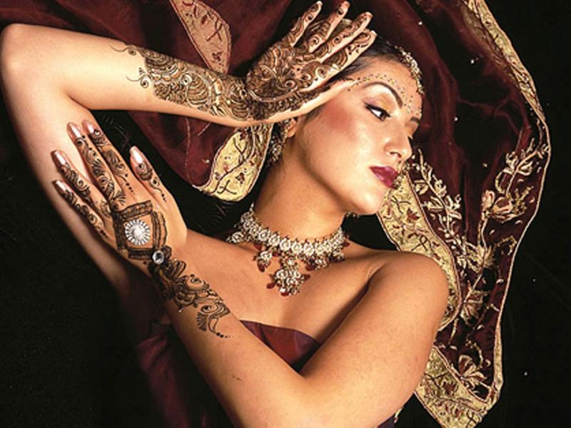 Mehndi Woman