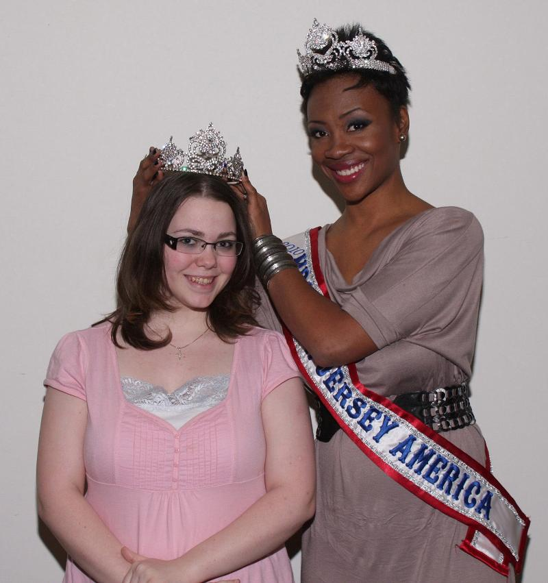 Mrs. New jersey crowns young woman
