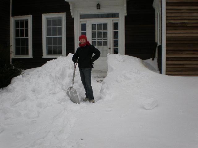 Capt. Linda shoveling after Nemo
