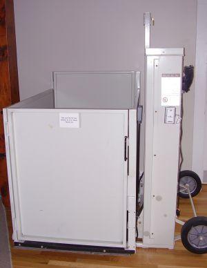 Portable platform lift