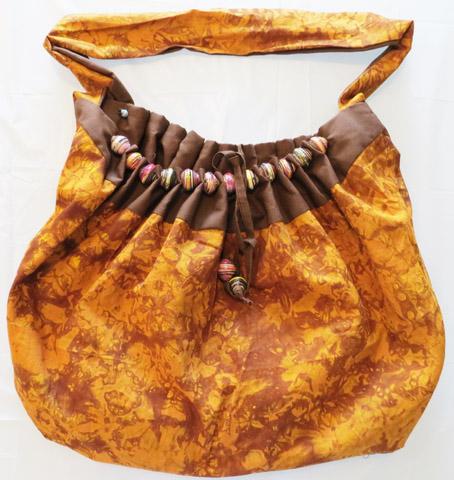 Handbag w/ beaded cloth edges