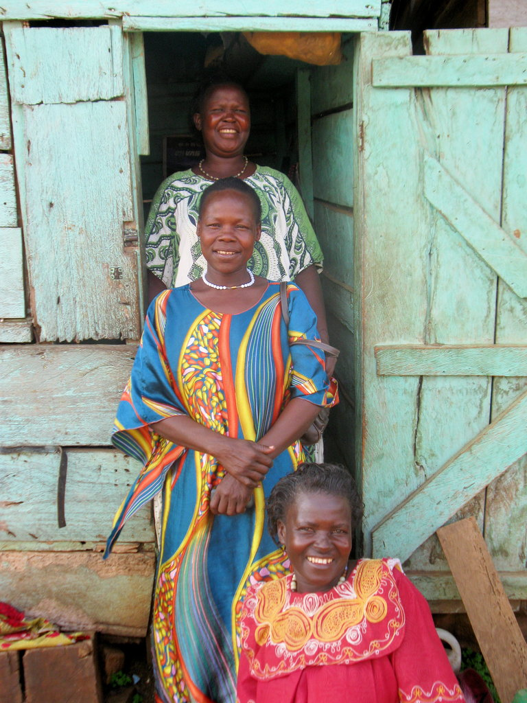 Women from the Jinja bead group