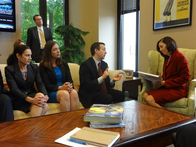 WCIT members and President Eric Schinfeld meeting with Senator Cantwell