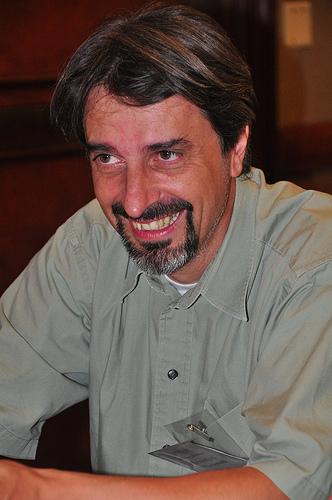 Dr. Sebastian Wachsmann-Hogiu
