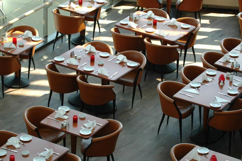 tables_empty_hotel.jpg