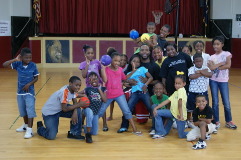 Central kids pose