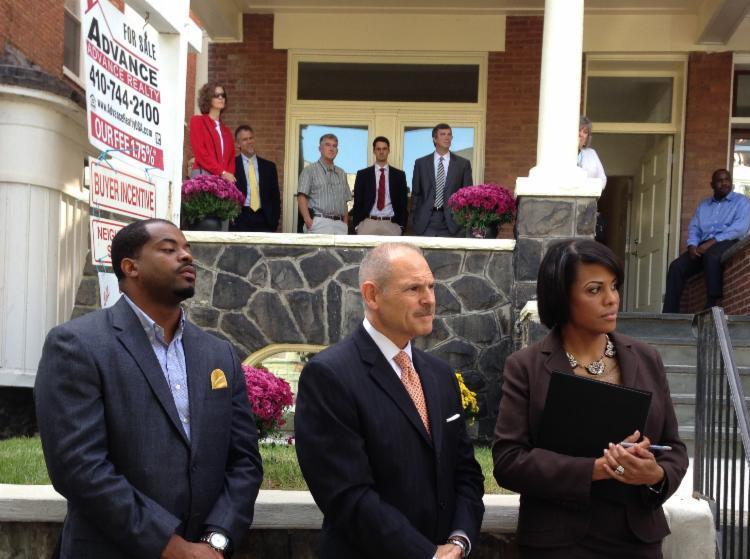 Counselman Mosby, Andrew Bertamini of Wells Fargo, and Mayor Stephanie Rawlings-Blake