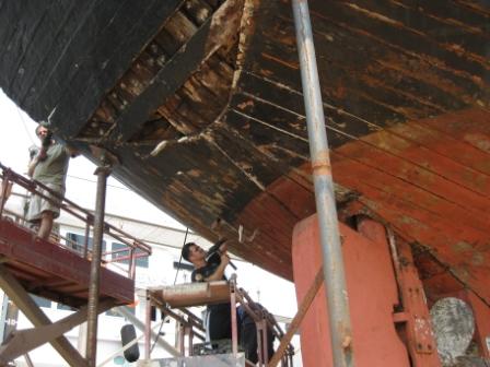 Shipyard caulking