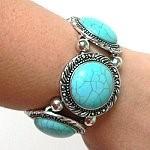 Navajo style turquoise bracelet