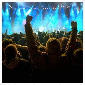 concert hands up