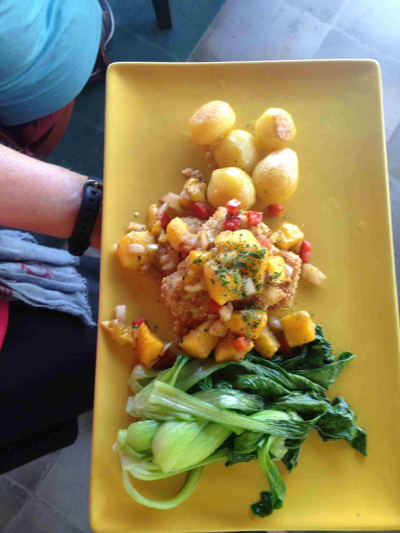 fish with mango sauce