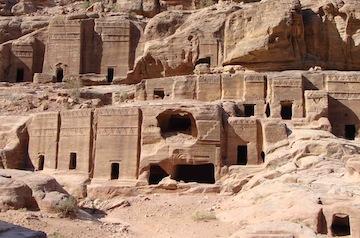 tombs-caves-petra