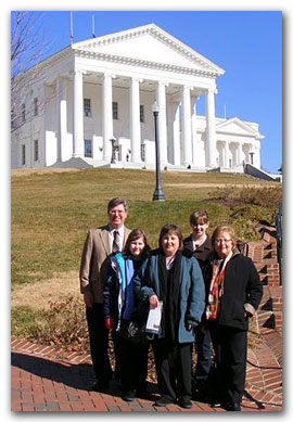 Homeschoolers visit the Capitol grounds.