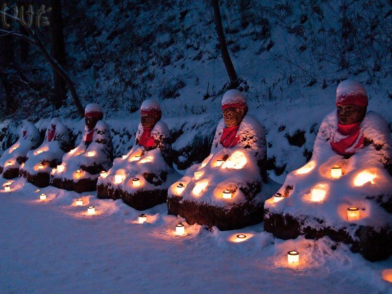 candle buddhas