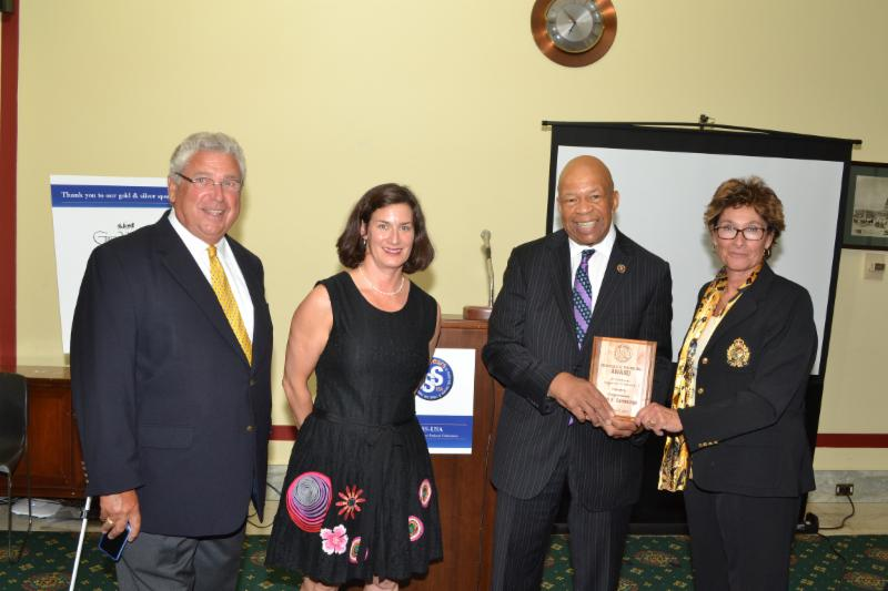 Representative Elijah Cummings receives the Frederick Warburg Award for Community Engagement & Partnership