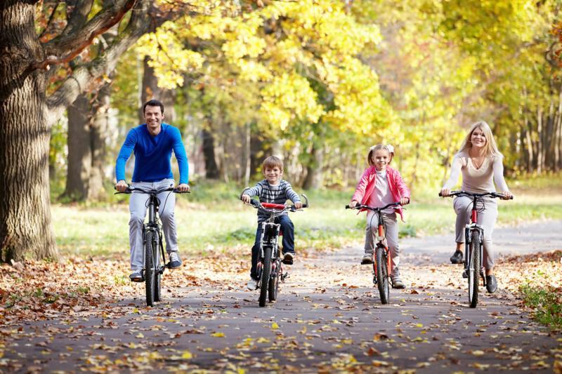 family_bikes_garden.jpg