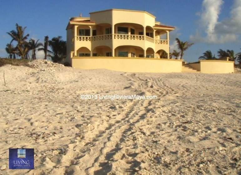 Beachfront home tulum