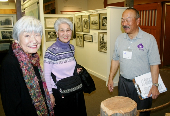 JAMsj docent Rich Saito gives a tour to museum visitors