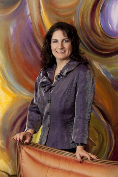 Julie Ann Headshot