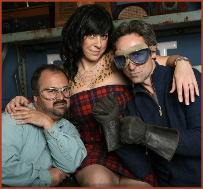 american pickers danielle and mike dating Danielle colby is the office manager of antique archaeology, the antique shop featured in the history channel's show, american pickers former roller derby player and burlesque dancer, colby seems to be dating an artist named, jeremy scheuch watch the video to know about the career, net worth and.