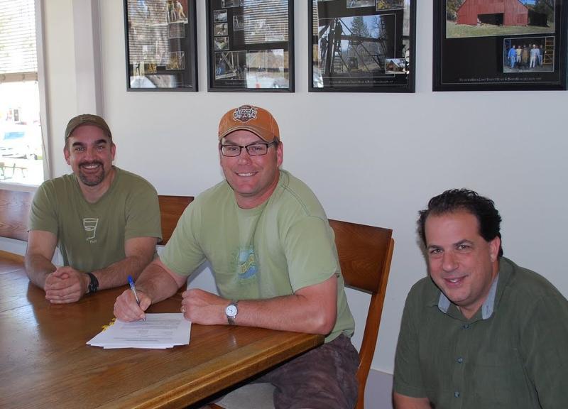 Leonhardt signing