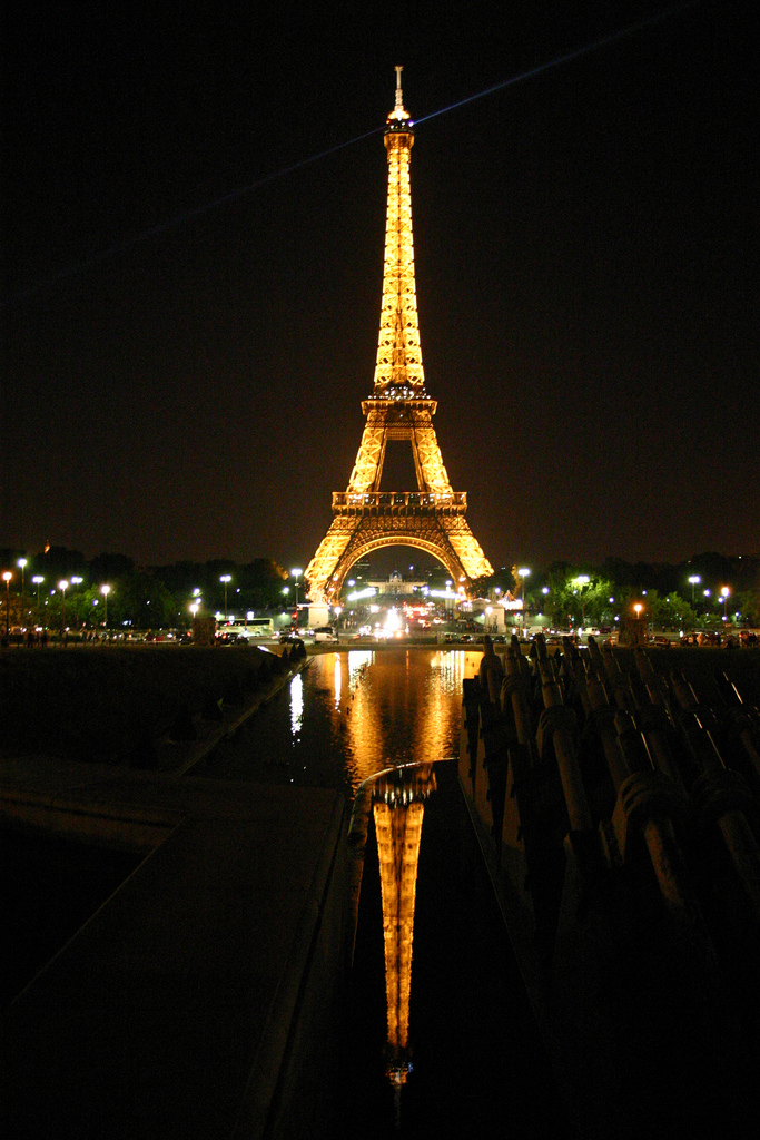 Eiffel Tower at Night. Photo_ Photo_ Stefan W via flickr