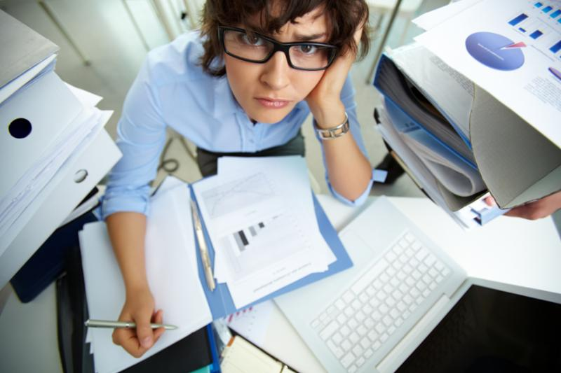 confused_female_accountant.jpg