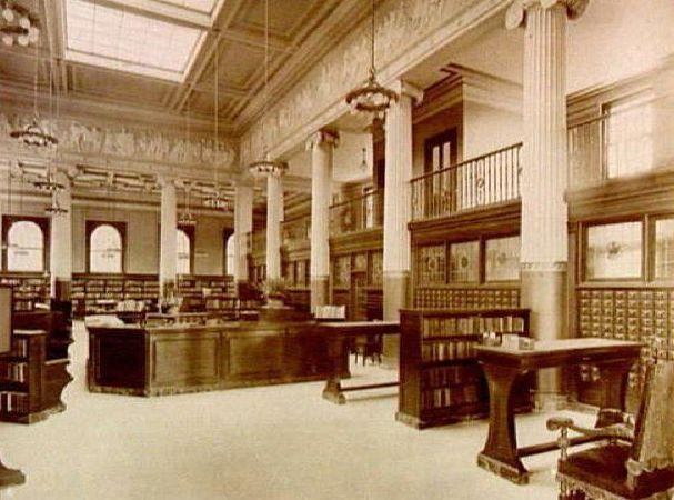 Knight Memorial Interior