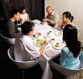 restaurant-group-meal.jpg