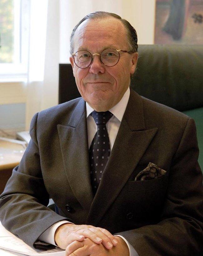 Dr. Hakan Mellstedt