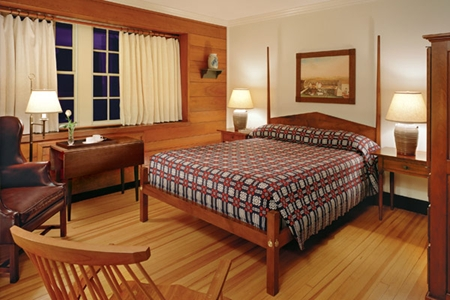 Williamsburg Lodge room