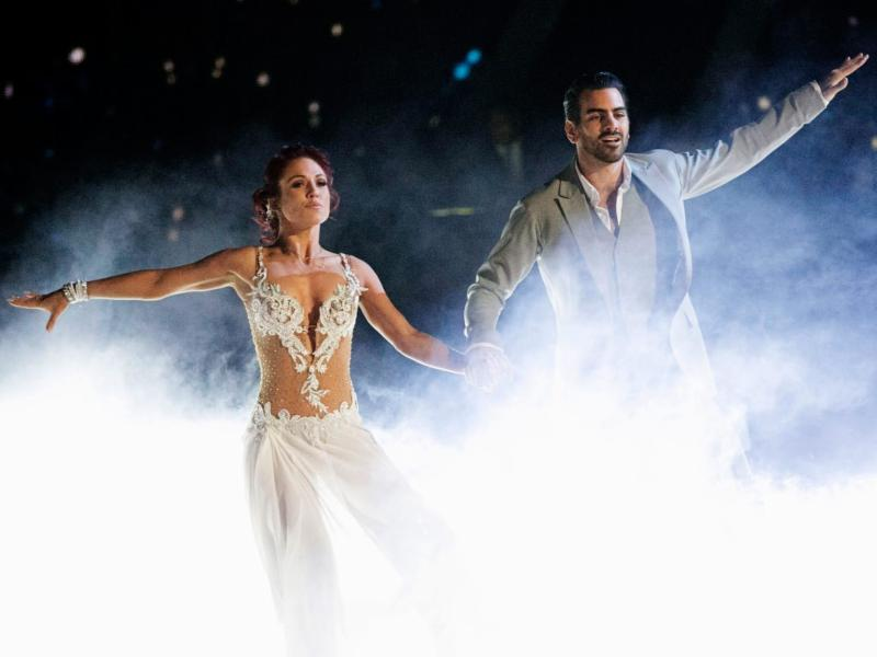 Peta and Nyle dancing on dancing with the stars.
