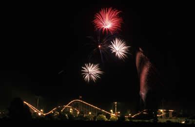 themepark-fireworks.jpg