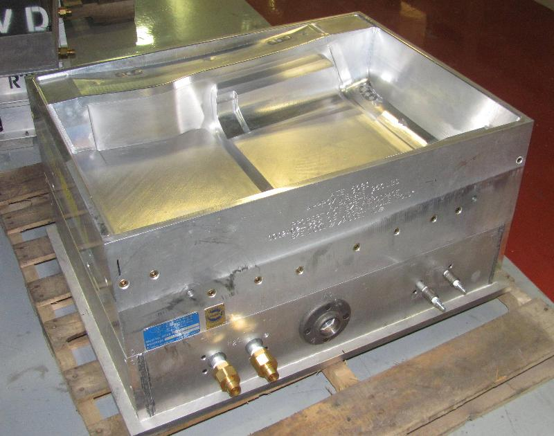 Aluminum constructed temperature controlled plastic thermoforming tool