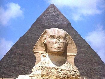 Sphinx/Pyramid