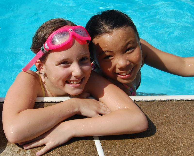 denney and maya in pool