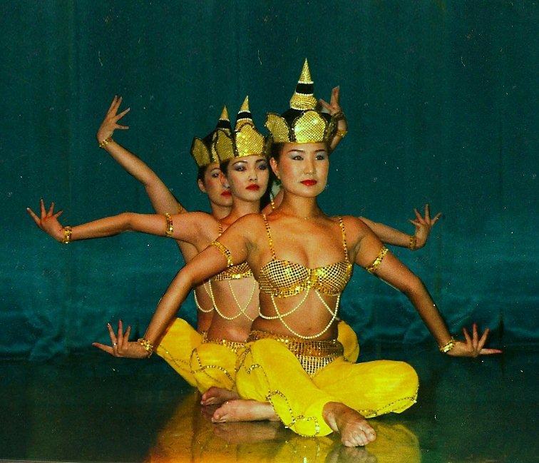 Mongolian Trio Hand Dance