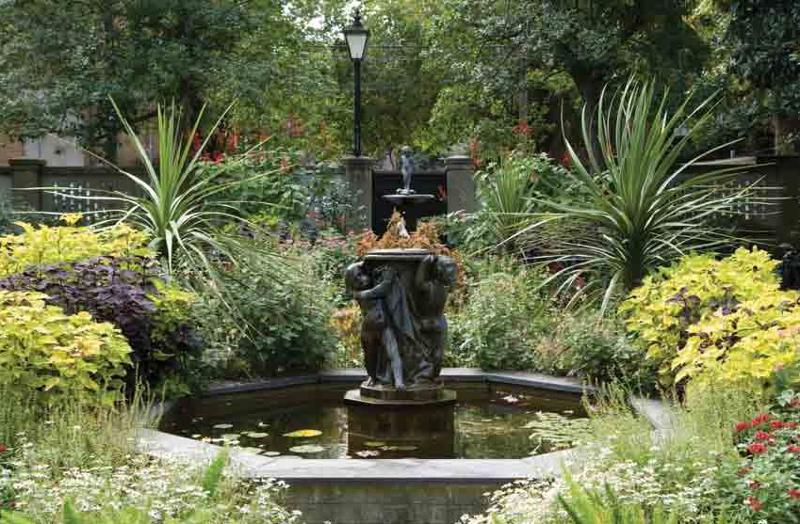Yorktown - Garden in Savannah