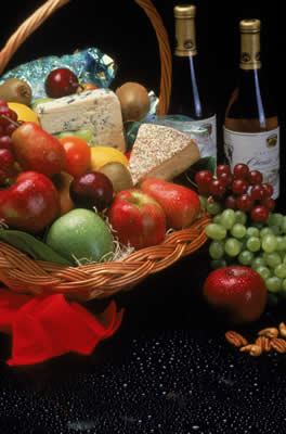 cheese-wine-basket.jpg