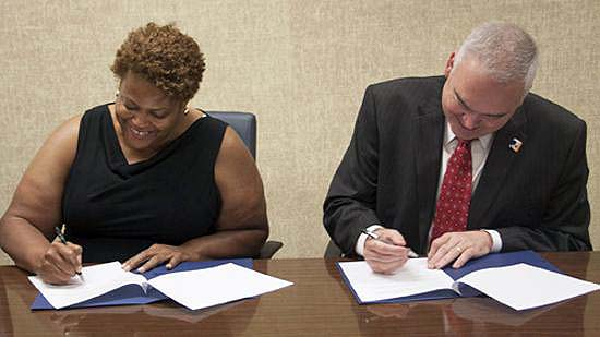 WSSU Provost and RCC Signing