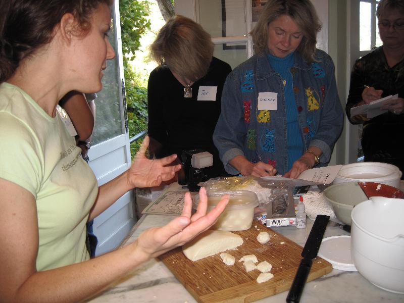 Cheesemaking workshop 02